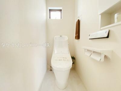 (同仕様写真)1Fと2Fにトイレがあります