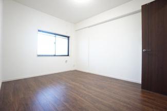 コンパクトながら、収納スペースもしっかり確保。寛げるプライベート空間です