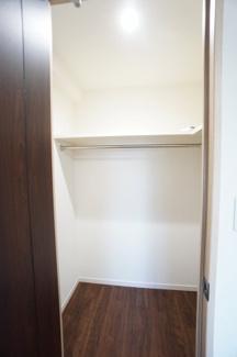たっぷり収納できるクローゼットで、室内をすっきり綺麗に保てます