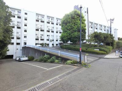 総戸数133戸、昭和45年10月築、管理人は常駐勤務につき管理体制良好です♪