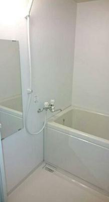 【浴室】メゾンドルフィン