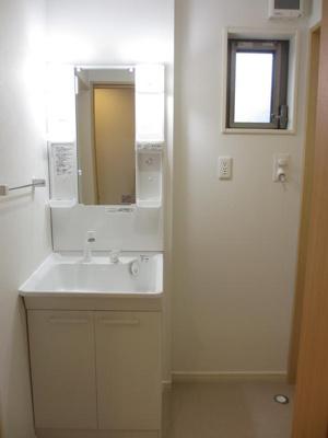 ※イメージ 明るい洗面所です