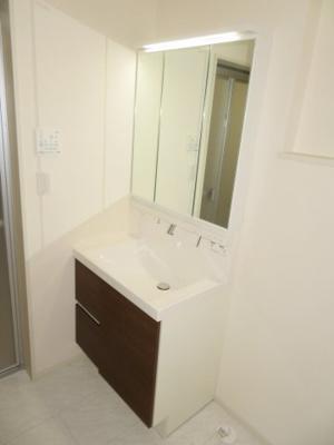 【洗面所】鈴鹿市東磯山4丁目 新築分譲住宅3号棟