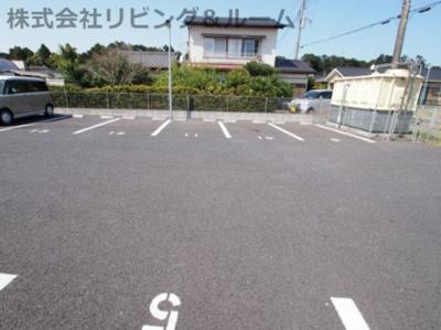 【駐車場】グランドゥール・三笠山