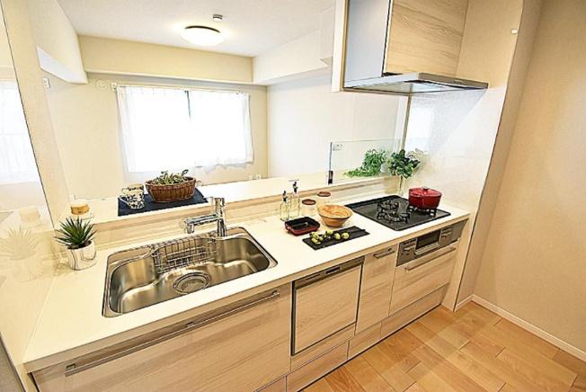 リベレ向陽台第六号棟:あると便利な食器洗浄機付き対面式システムキッチンです!
