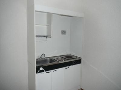1口電気コンロ付きのキッチンです