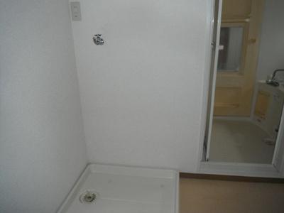 洗濯置き場が設置されております。