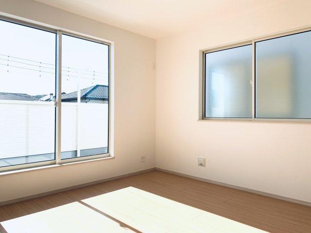 【同仕様施工例】2階 南向きの明るいお部屋です。