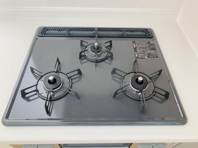 【同仕様施工例】対面式のキッチンです。お子様の様子を見ながら作業できます。