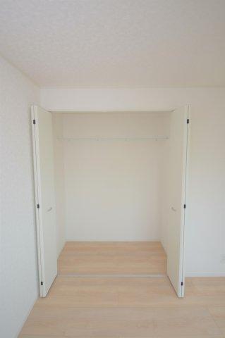 6.0帖洋室の収納です。