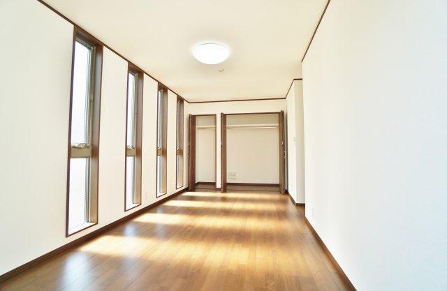 2階9.5帖 洋室