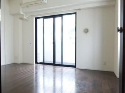 【寝室】ラグジュアリーアパートメント白金