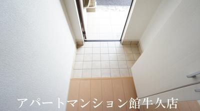 【玄関】ティアラB