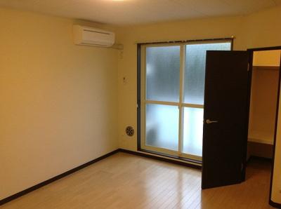 1階はフローリング、2回はカーペットになります。