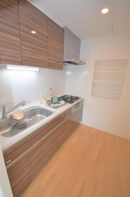 キッチンも広々で使いやすい!