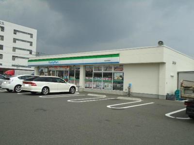 ファミリーマート神辺町川南店まで989m