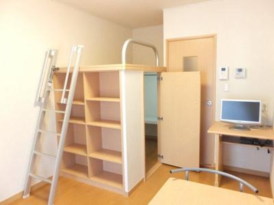 造り付ベッド&薄型TVのお部屋です♪