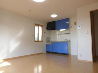 ブルーのキッチンがおしゃれです♪