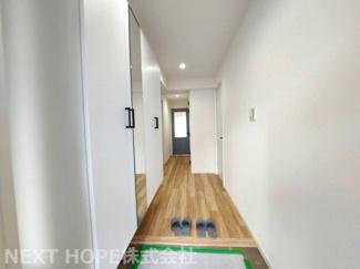 玄関から廊下部分です♪室内は令和3年7月9日にリフォーム完了しております!いつでもご覧いただけます!ぜひ素敵な室内を現地でご確認ください(^^)