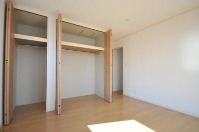 尼崎市武庫之荘本町2丁目第3 新築一戸建て 同一仕様例写真です。実際とは色・柄等が異なります。