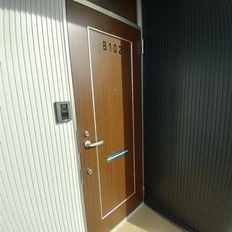 【玄関】スジェールハウスB