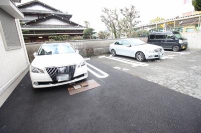 【駐車場】グランロジェール