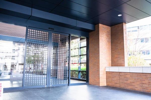 【バルコニー】40階部分につき通風・採光・眺望良好です!広々としたバルコニーでガーデニングを楽しんで頂く事もできますね♪