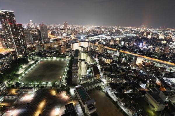 【物件からの展望】眼下に大阪の夜景が広がります。