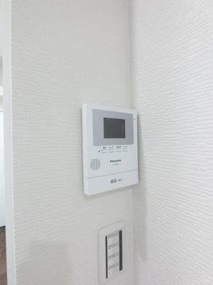 来客時に便利なTVモニター付インターホン。 女性やお子様のお留守番時にも安心です♪