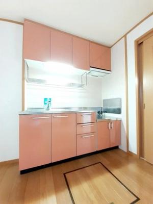 使い勝手の良いサイズのキッチンです。