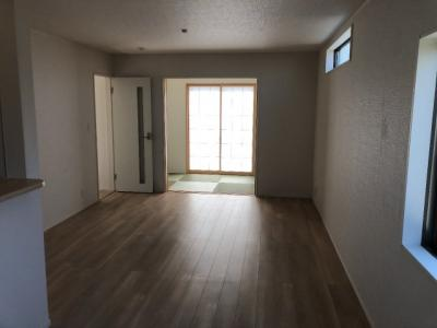 三木市府内町第3 新築一戸建て 同一仕様例写真です。実際とは色・柄等が異なります。