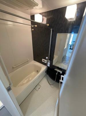 浴室乾燥・暖房機能・涼風・ミストサウナなどフル装備の浴室です、毎日の疲れを癒しませんか?