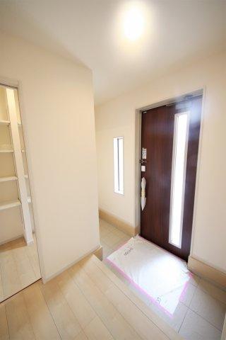1号棟 シンプルで使いやすい玄関です