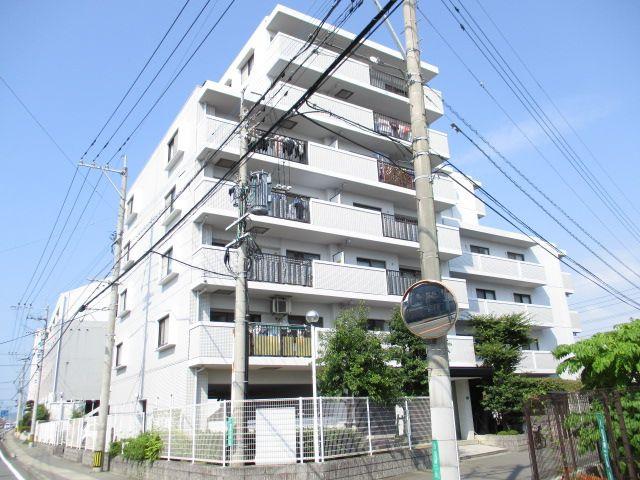 JR古賀駅まで徒歩17分。博多駅へのアクセス便利です。 国道495号線沿いの立地なので、車での移動も便利です【近隣駐車場確保済】