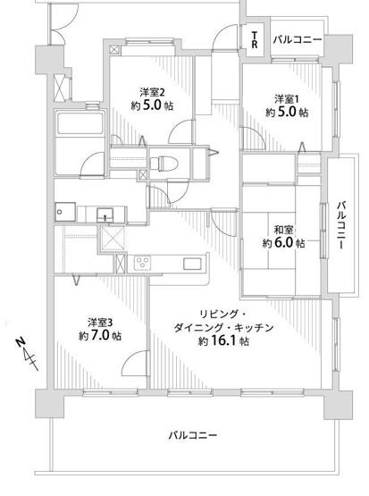 3面にバルコニーがあるので家全体の風通しが抜群です! 南西向きの明るいLDKは16帖の広さ。ダイニングテーブルを置いても、ソファやテレビも十分置けます