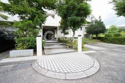 【エントランス】高槻阿武山二番街203号