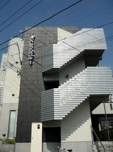 「二俣川」駅へも徒歩圏内の立地です