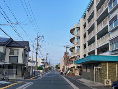 楽々園マンション 広島電鉄「楽々園」電停徒歩約1分 楽々園バス停徒歩2分