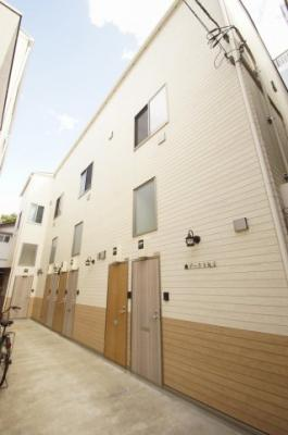 東急多摩川線「下丸子」駅より徒歩2分の駅近アパートです。