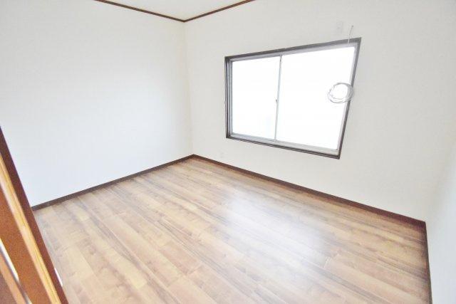 【洋室】小山7丁目貸家