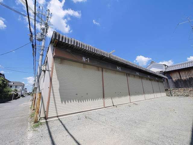 【外観】コスモス産業山添シャッター付きガレージ