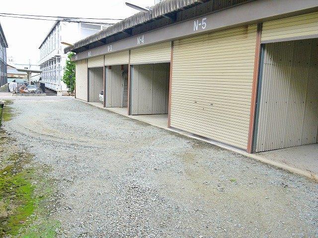 コスモス産業山添シャッター付きガレージ