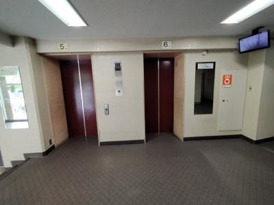エレベーターも2基あるので、朝の混雑時もスムーズです。
