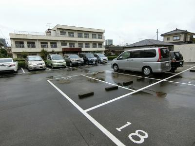 【駐車場】ラ・エピナール