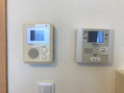 安心のオートロックゲート、モニター付きインターフォン