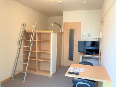1階はフローリング、2階はカーペットの仕様となっております