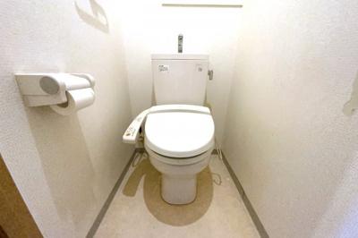 ウォシュレット付きのトイレで、いつも清潔に保てます。