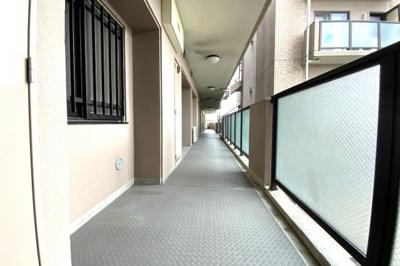 スーパー・コンビニ・金融機関・ホームセンターなどが徒歩10分圏内にあり生活便利な環境ですヽ(^。^)ノ