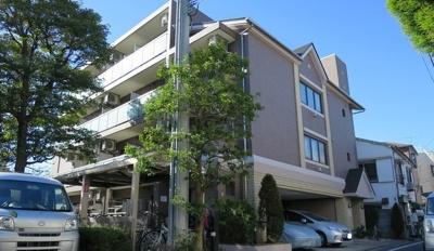 京急空港線「糀谷駅」徒歩6分のマンションです。