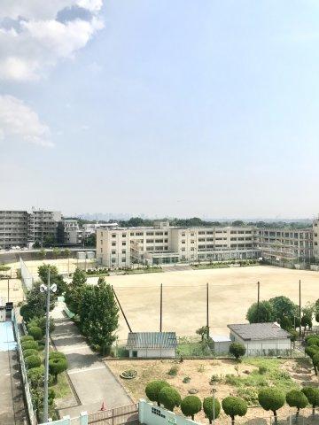 緑豊かな閑静な住宅地が周辺にある環境です
